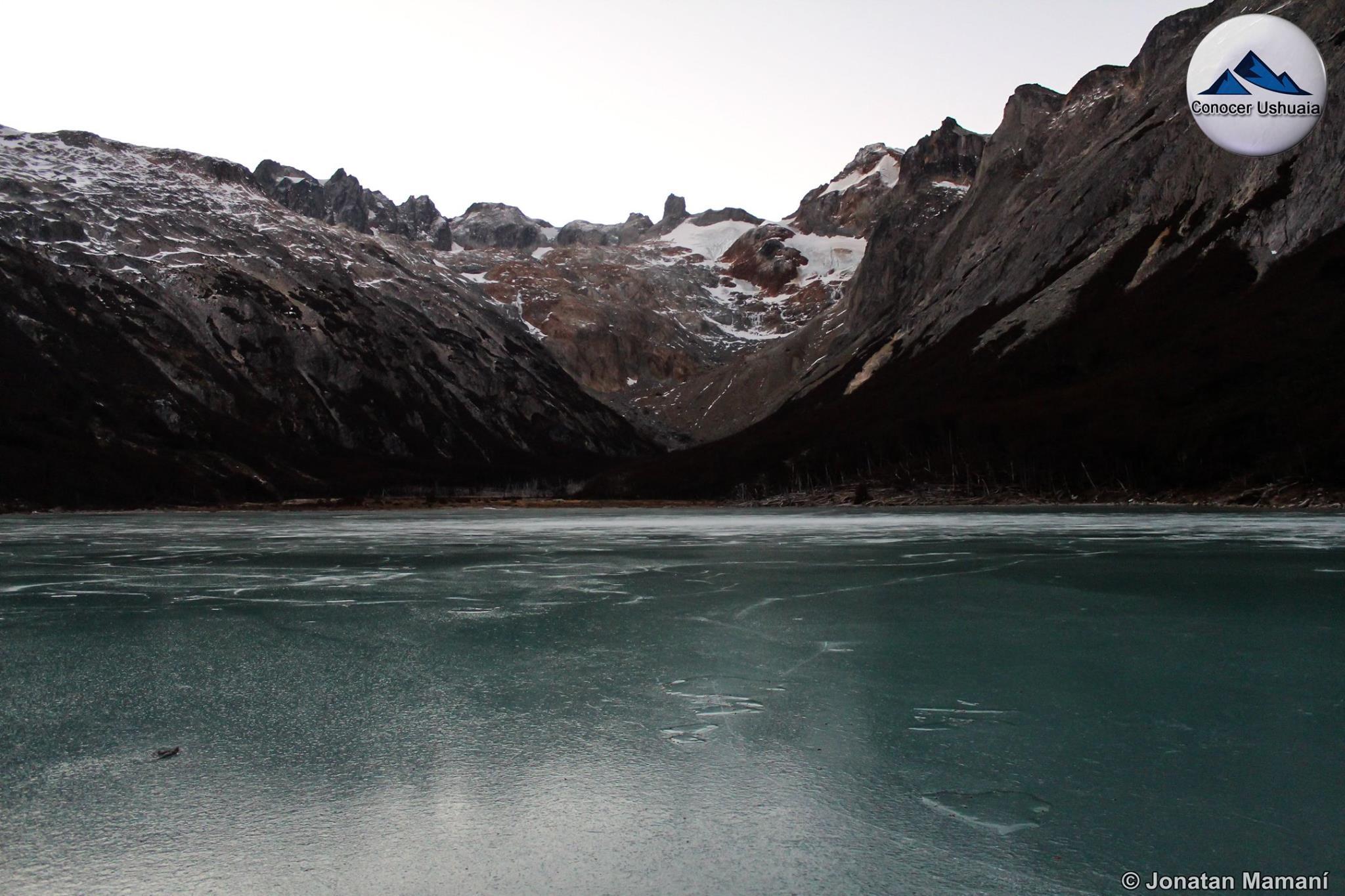 laguna esmeralada congelada.jpg