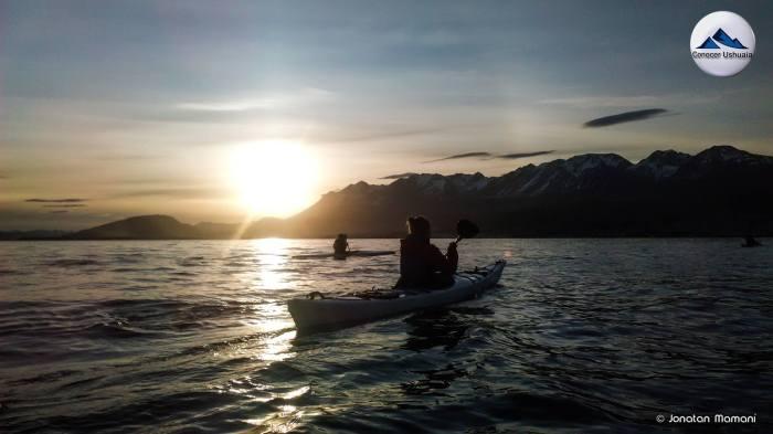 atardecer kayak canal beagle.jpg