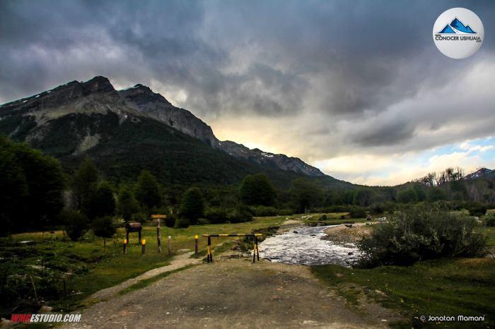 rio-pipo-de-fondo-el-cerro-guanaco