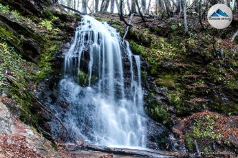 cascada camino a lagunas gemelas